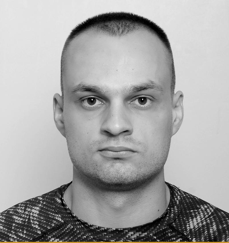 instruktorzy_piotr_kwiecien